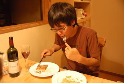 肉を食べるづや